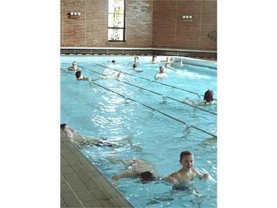 Някои санаториуми като този в Поморие разполагат и с басейн.
