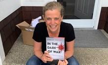 Сара от ЦРУ 26 часа под дъжд от куршуми в пустинята, за да спаси дипломати в Либия