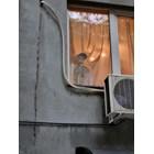Скелет с престилка плаши пешеходци във Варна