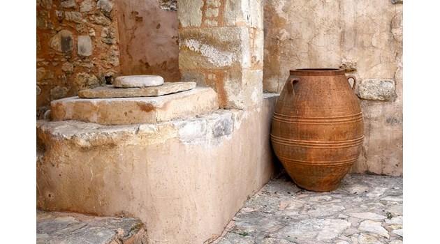 Непокътната минойска гробница бе открита на гръцкия остров Крит