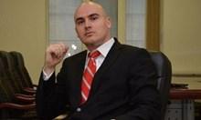 Петър Илиев - един напомпан двойник на Хаджигенов
