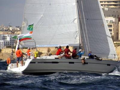 Българският екипаж LZ Yachting с яхтата Vessy по време на Rolex Middle Sea Race.
