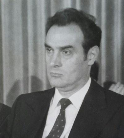 Проф. Стоян Михайлов