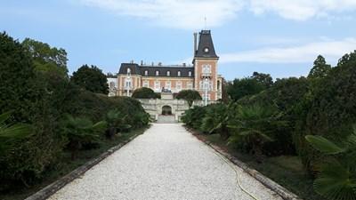 """Дворецът в """"Евксиноград"""" - най-старата извънградска резиденция на Третото българско царство."""