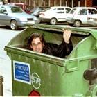 Влади Априлов се крие в кофа за боклук, за да снима предаването преди години. СНИМКА: АРХИВ