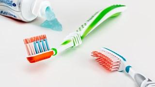 9 нестандартни употреби на пастата за зъби в домакинството