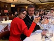 Виктория Бекъм: Здрава съм, защото пия червено вино и текила (Снимки)