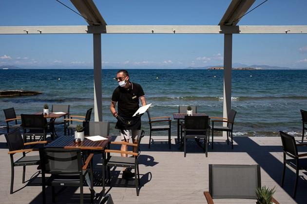 Какво включва задължителният формуляр за пътуване в Гърция от 1 юли?