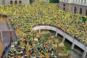 Снимка от протестите през 2013 г., на която Димчев е преброил малко над 2280 души.