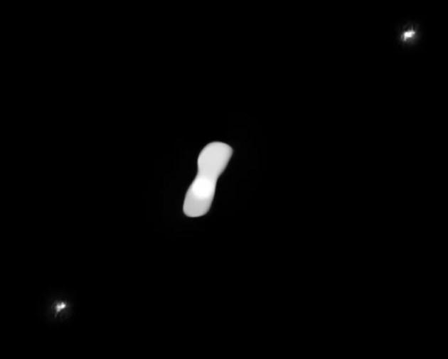 Разгадаха тайната на астероида Клеопатра, загубил  35% от масата си