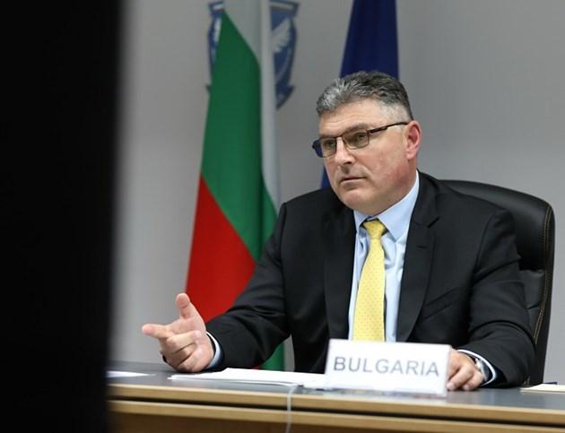 Старите шефове на ТЕРЕМ пречат да се впишат новите, обяви военният министър