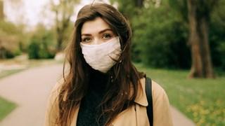 Как да предпазите кожата си от дразненето на маските