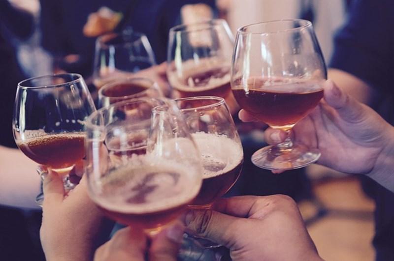 Дори и леките напитки може да вредят, ако са в големи количества или се употребяват системно. Снимка: pixabay