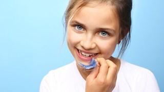 Как да се справим с неприятните афти и рани в устата