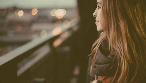 Когато мъж пренебрегва жена, той я учи как да живее без него