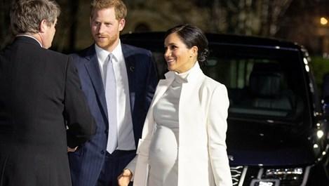 Меган Маркъл бременна с близнаци?