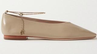 Времето на равните обувки