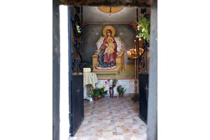 Един от 33-те праклиси в манастира край Бургас.