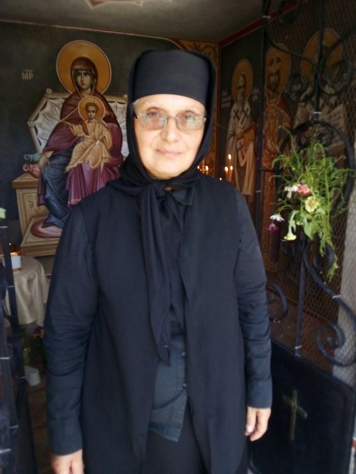 Новата игуменка на манастира сестра Ксения е решена да възроди светата обител и да я отвори за поклонници.