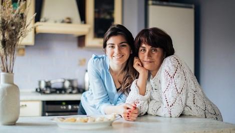 Защо е опасно да сме сърдити на майка си