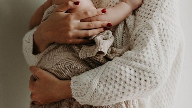 """Момче е последното  бебе за 2020 г. в пловдивската УМБАЛ """"Св. Георги"""""""