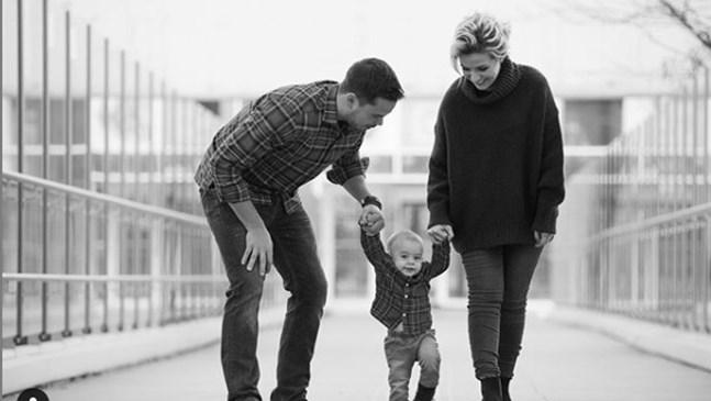 Поли Генова сподели кадър с малкия си Даниел на 9 месеца