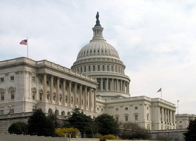 САЩ затягат правилата за ИТ гигантите с нови закони