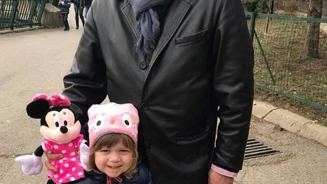 Тончо заведе внучката на зоологическа