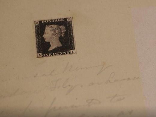 Продават на търг първата в света пощенска марка