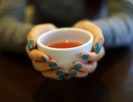 Най-опасен за зъбите е чаят от каркаде