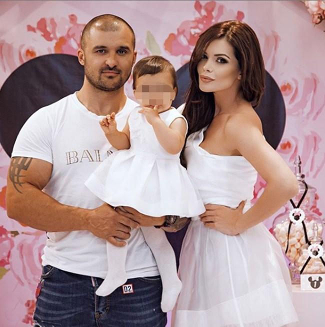 Сплотеното семейство