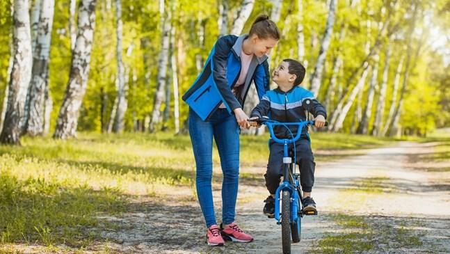 Как да научим детето да кара колело?
