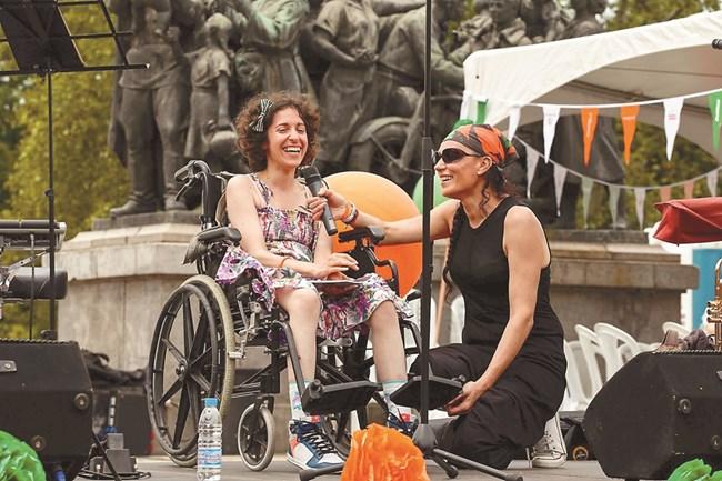 """На """"Много специален пикник"""" - събитие в подкрепа на хората с множествена склероза и техните близки, организиран от """"МС - Мога Сам"""""""