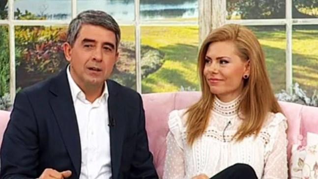 Плевнелиев води Деси и бебето в Банско за Нова година
