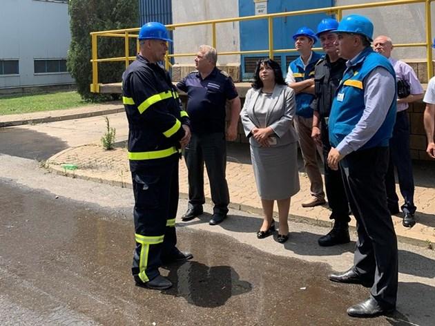 """Петкова: Пожарът в ТЕЦ """"Марица-изток 2"""" няма да се отрази на сигурността на енергийната система"""