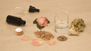 Вреден ли е спиртът в козметиката