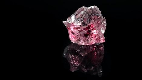 Розовият турмалин – употреби и значение