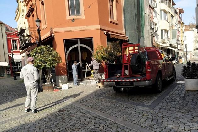 Настъпва крах - магазини и заведения затварят завинаги в Пловдив (Снимки)