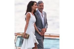 Джордж Клуни и Амал се върнаха на езерото Комо за лятната си ваканция