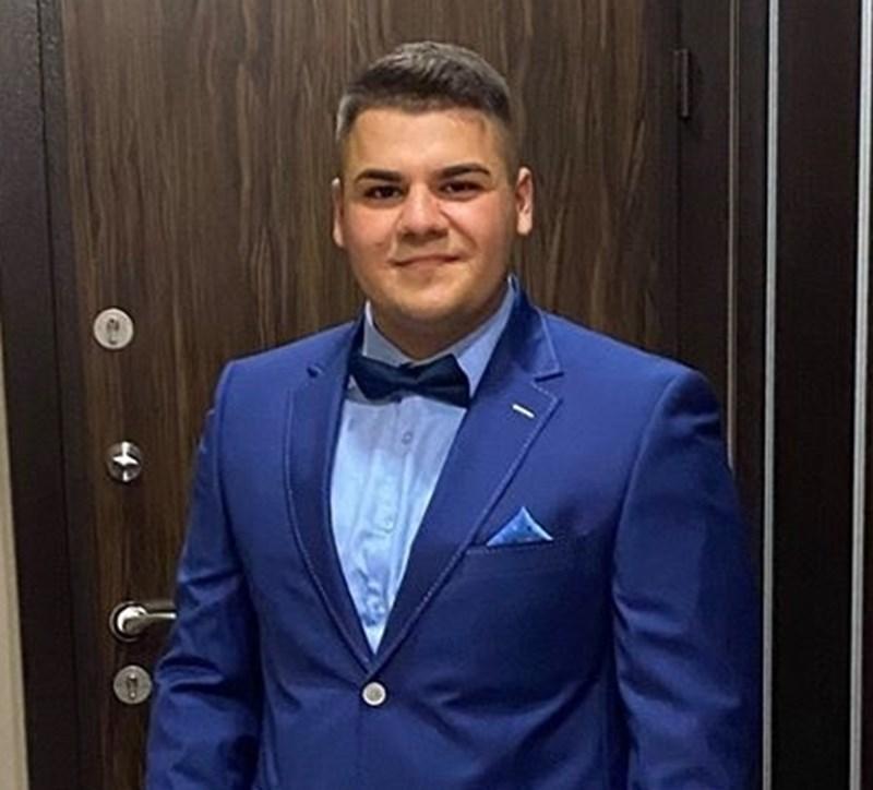 19-годишният Христо Денев издъхна в реанимацията след 18 дни лечение от усложнения, предизвикани от инфекцията.