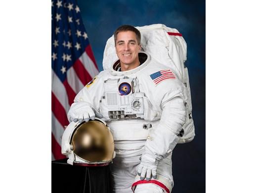 """Астронавтът Крис Касиди с обръщение към зирелите на наградите """"Еми"""" от борфа на МКС"""
