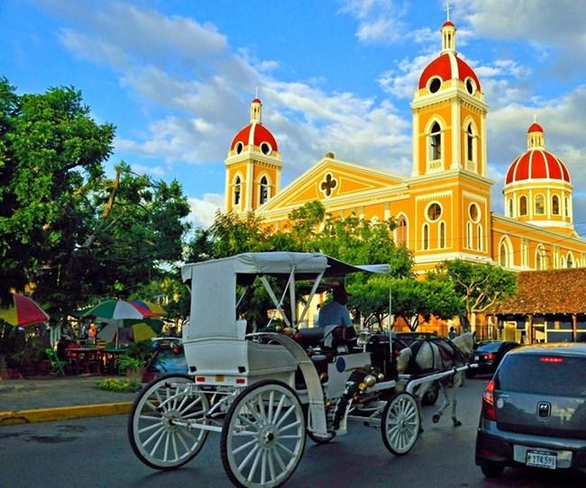 В центъра на столицата на Никарагуа - Манагуа, са се запазили някои от красивите сгради в колониален стил.