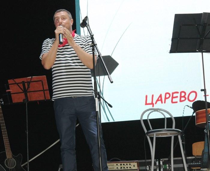 Кметът Георги Лапчев отри фестивала в Царево.