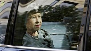 Кралица Елизабет вече няма да шофира (Видео)