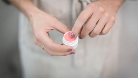 Най-търсените съставки на козметични продукти през 2020 г.