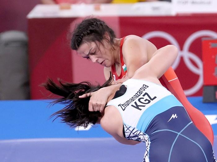 Мими Христова изпусна спечелен мач в последните секунди.