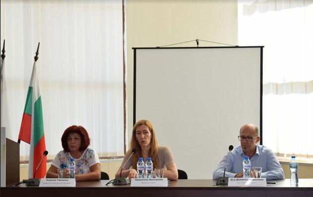 Ангелкова: Намаляване административната тежест на бизнеса