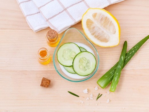 Витамин С и бадемово масло се грижат за кожата през пролетта