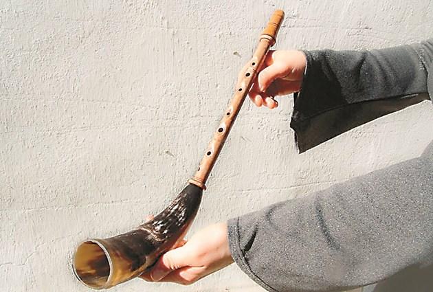 Това е жалейка, или брьолка, на която са свирили руските и беларуските овчари