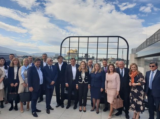 Вицепремиерът Николова: Преосмислихме традиционните си представи за туризма